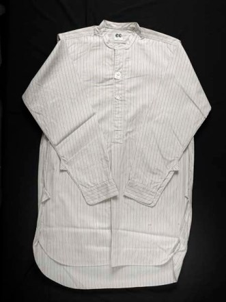 CC41 cotton utility shirt. Museum of London 45.30.1a.
